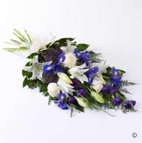 A classic sheaf of tied flowers available in  Pink and lilac and white, or white and yellow. Sandra's Florist will carefully arrange in a sheaf- design before hand delivering.